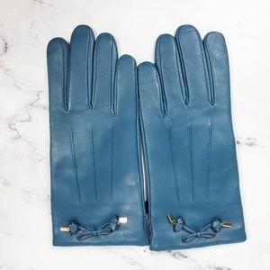 Coach Tea Rose Bow Leather Glove